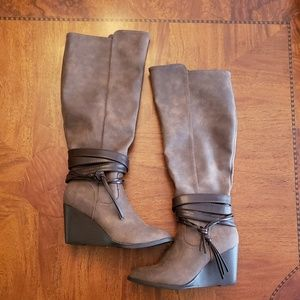 Autumn Brown Boot Heels With Leather Ties